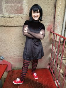 Dracula's Daughter Visits Cafe O'Play